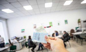 Украинским водителям будут выдавать цифровые права