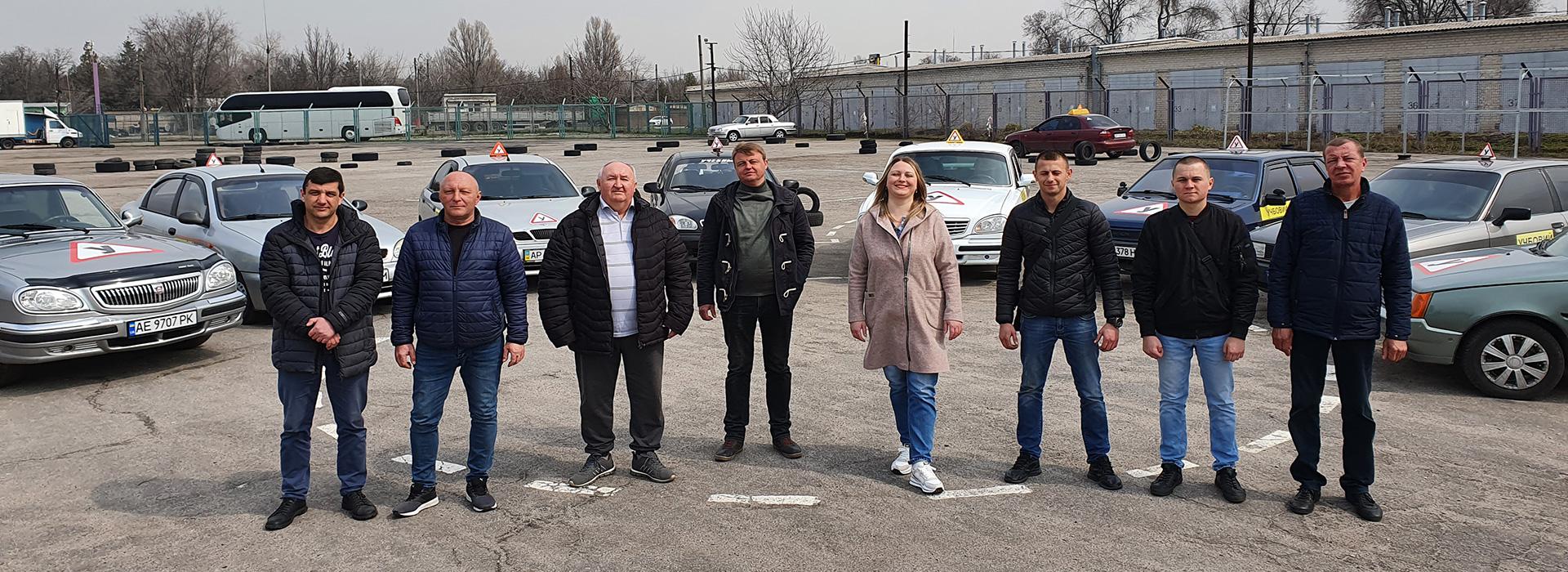 Инструкторы автошколы Светофор